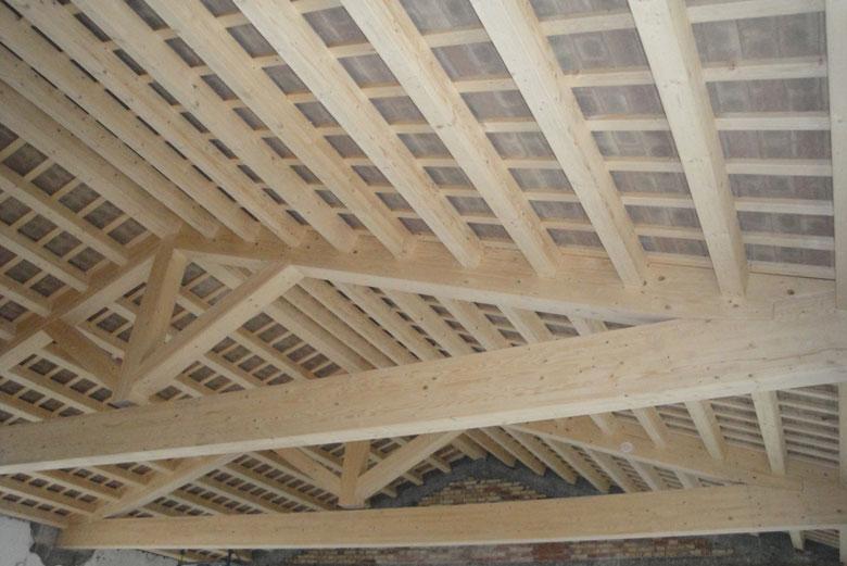 Realizzazione coperture in legno su misura veneta tetti