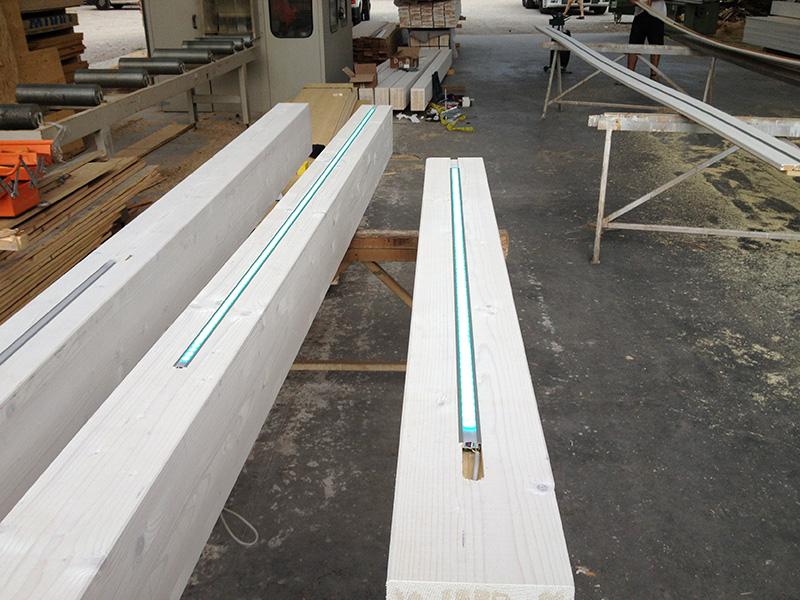 Illuminazione a led per solai in legno illuminazione a for Costo delle travi a vista