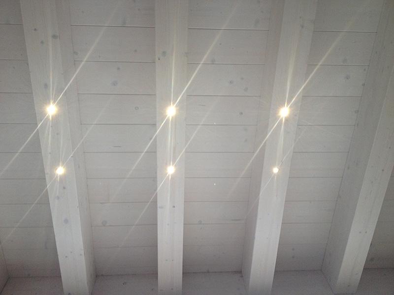 Illuminazione a LED per solai in legno, illuminazione a LED per tetti e strutture in legno     -> Lampadari Moderni Per Mansarde