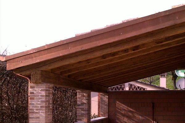 Realizzazione tettoie e porticati in legno veneta tetti - Tettoie in legno ...