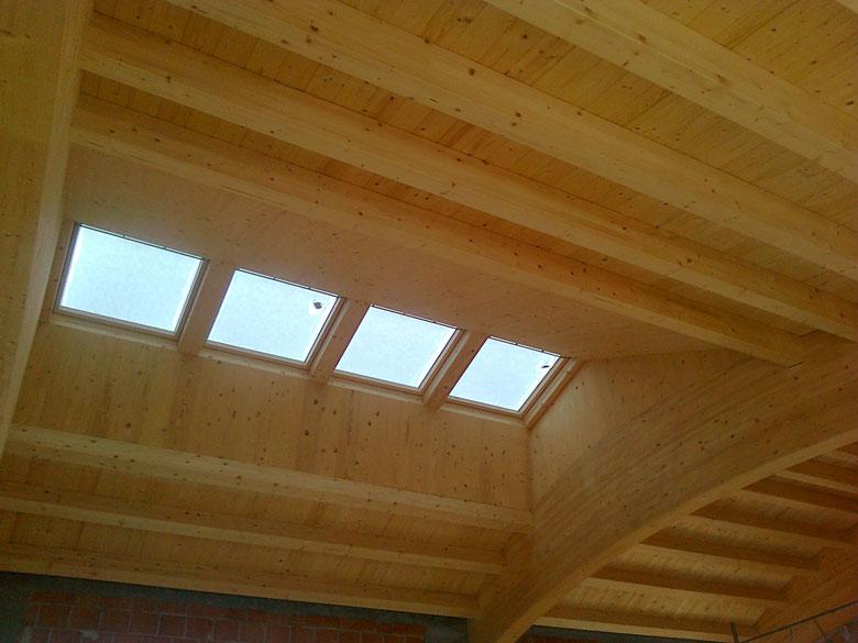 Realizzazione lucernari e abbaini per tetti in legno - Veneta Tetti