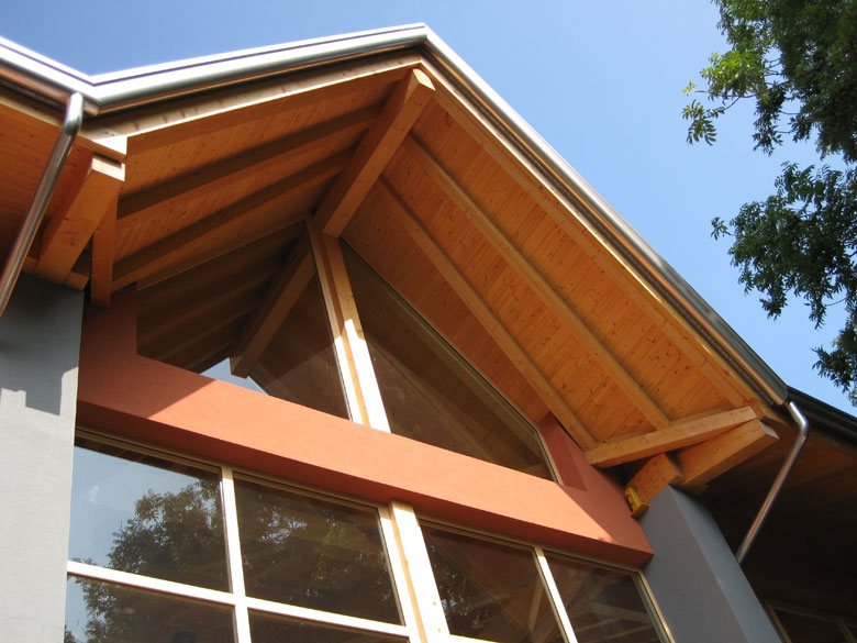 Realizzazioni coperture in legno per palestre veneta tetti for Software di progettazione di case in legno