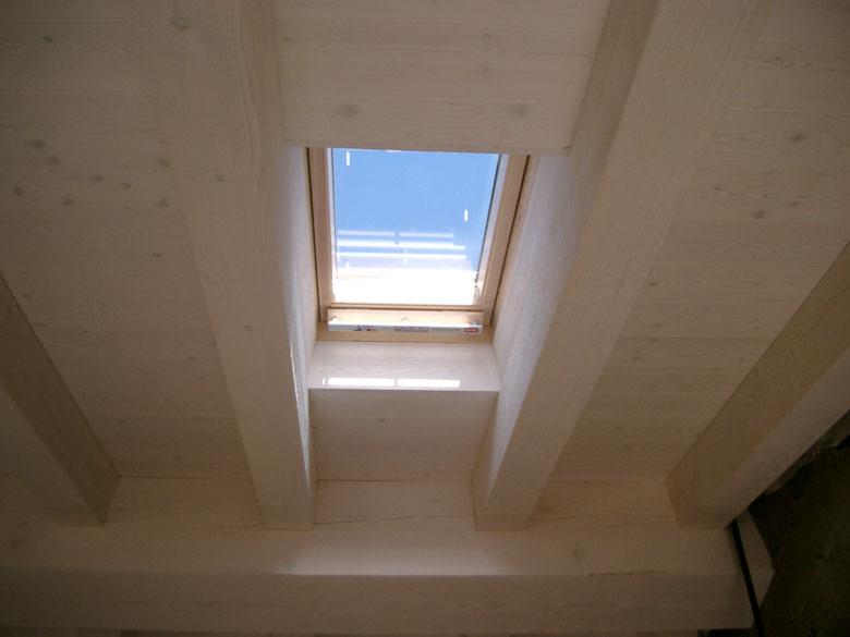 Realizzazione abbaini in legno veneta tetti for Finestre velux su amazon