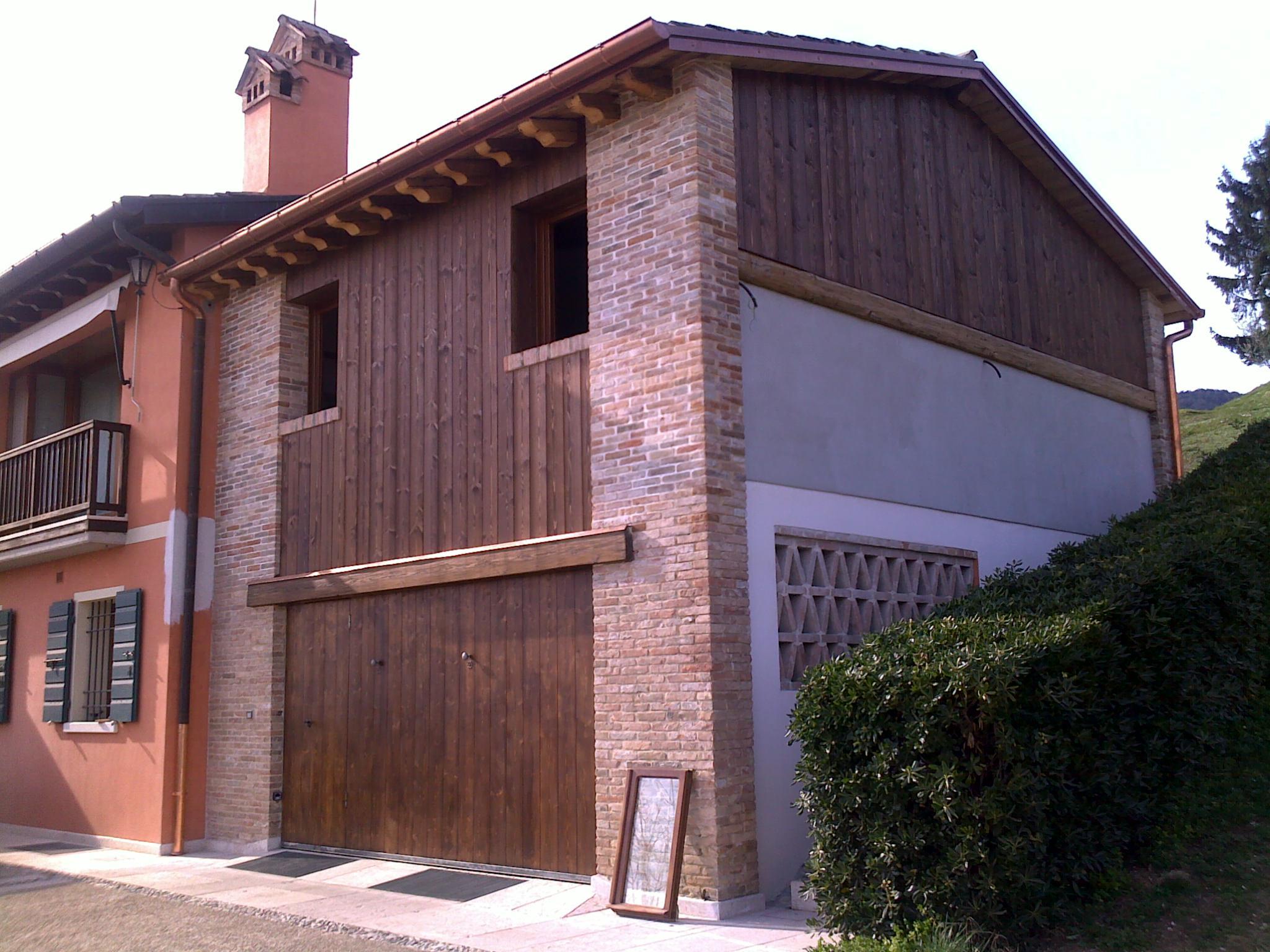 Rivestimento In Legno Per Facciate : Realizzazione rivestimenti facciate in legno veneta tetti