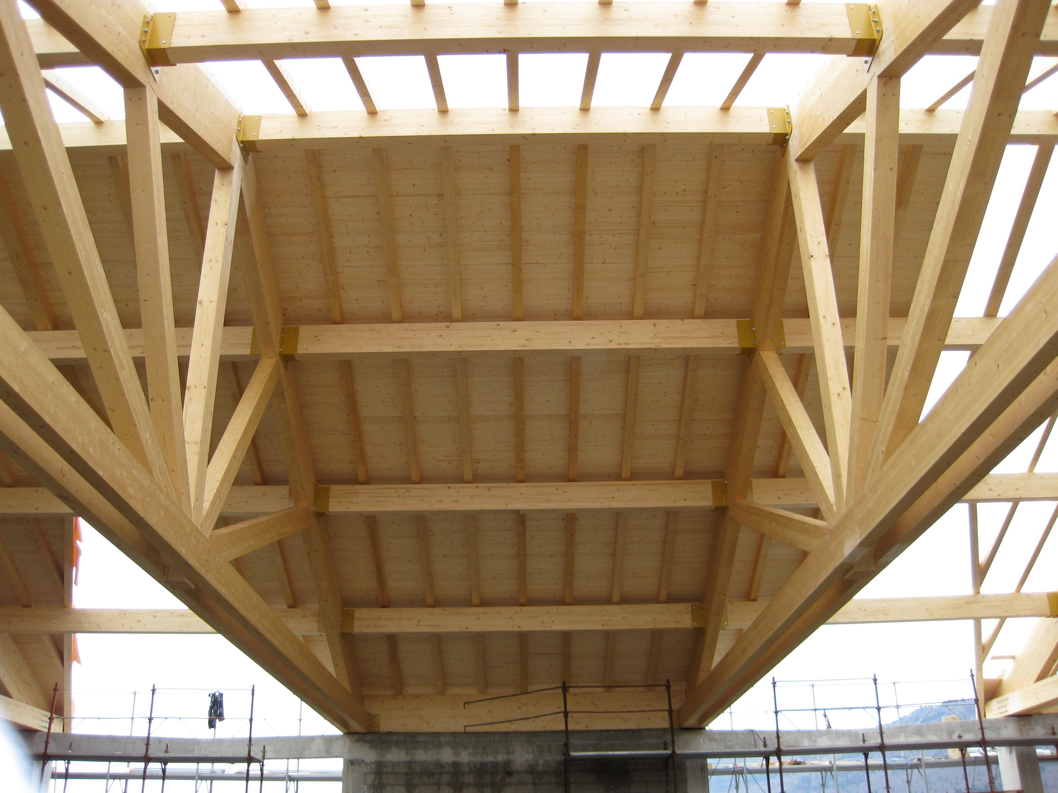 Illuminazione Tettoie In Legno : Illuminazione tettoie in legno ...