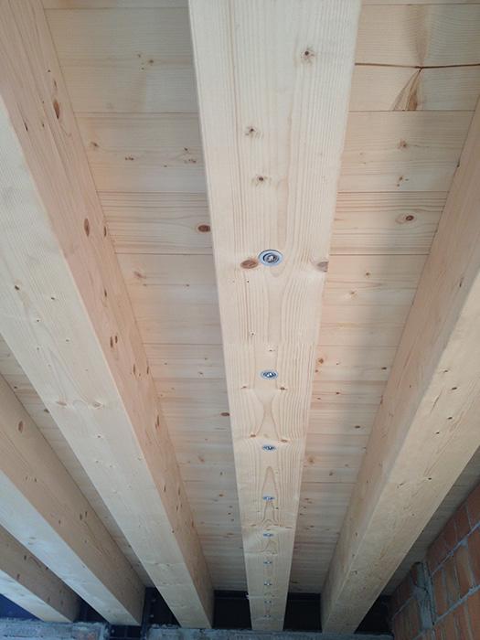 Illuminazione a led per solai in legno veneta tetti for Illuminazione sottotetto legno