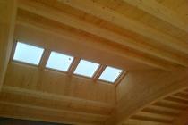 Realizzazioni coperture tettoie e porticati in legno for Lucernari per tetti in legno